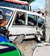 159722_accidente_carro_poste_240213