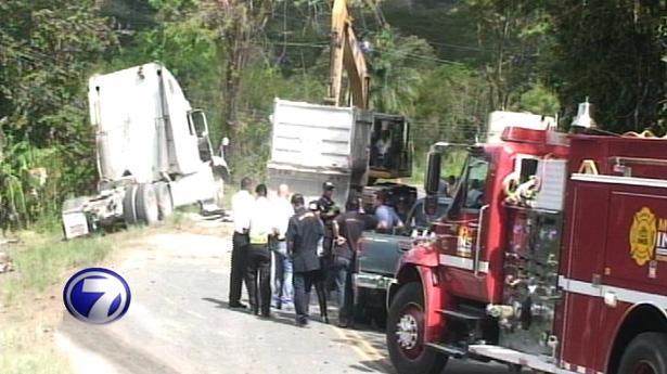 156169_accidente-furgon-choque-140113