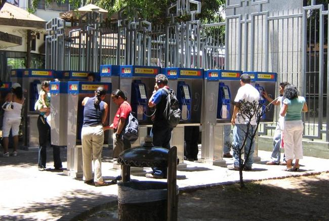 Lines would form at payphone banks like the one by the Banco Central and the Plaza la Cultura,