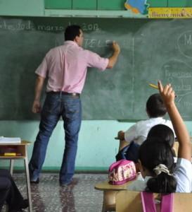 Alvaro-Teaches-Class