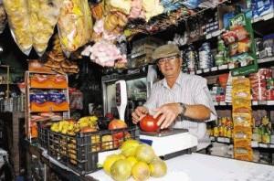 Recorrido por pulperias de barrio foto Jose Rivera 24-04-09