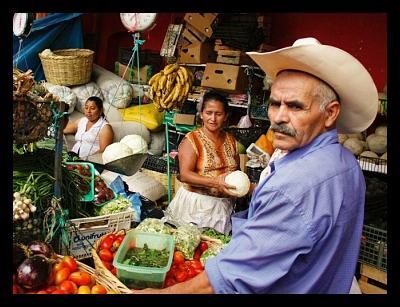 market-honduras_global_poverty_international_aid_opt-1