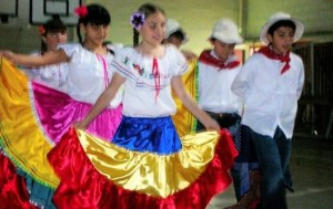 Costa-Rican-traditional-clothing