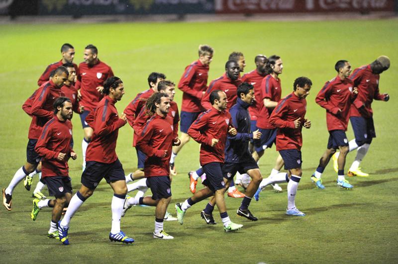 Estadio-Nacional-Coloso-CARLOS-BORBON_LNCIMA20130906_0037_1
