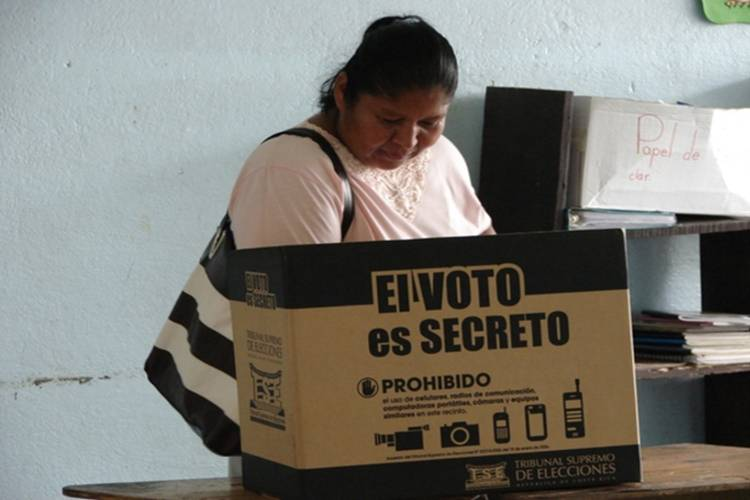 Foto TSE habilita línea 1020_large