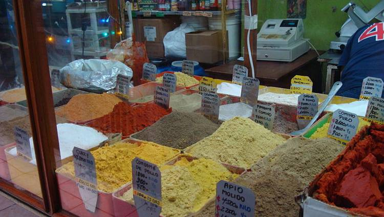 Spices for sale in the Mercado Central