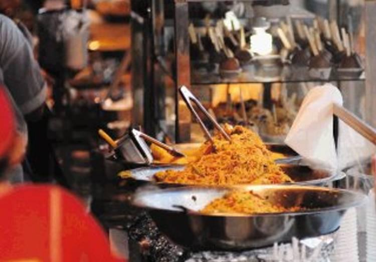 29 - 12 - 2009 Ventas de comidas en el campoferial de Zapote