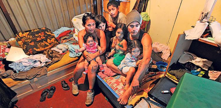 Emanuel-Argijo-Casandra-Lostalo-habitacion_LNCIMA20131214_0091_1
