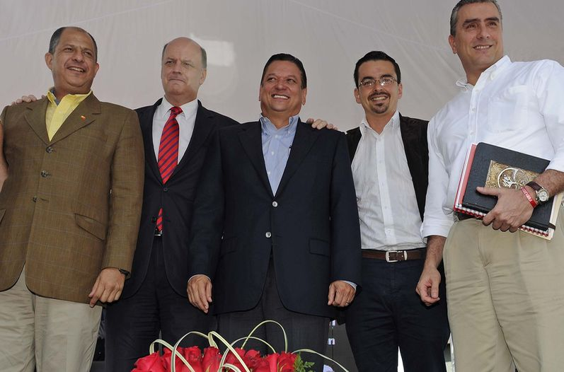 Principales-candidatos-Radio-FM-infraestructura_LNCIMA20131025_0116_5