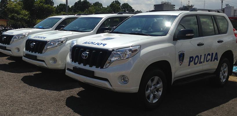 The Toyota Land Cruiser Prado TX, even the stripped down version used by police, is considered a luxury vehicle in Costa Rica.