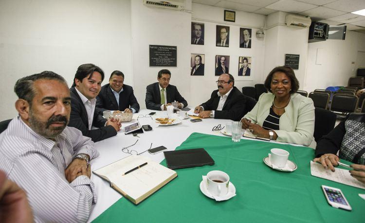 PLN meeting between presidential candidate Johnny Araya and several incoming legislators on March 17, 2014 in La Sabana.   Photo: Jorge Arce, La Nacion