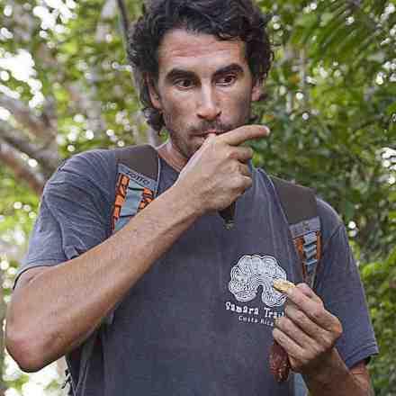 Alvaro Terán Saute eating termites | Photo by Ariana Crespo