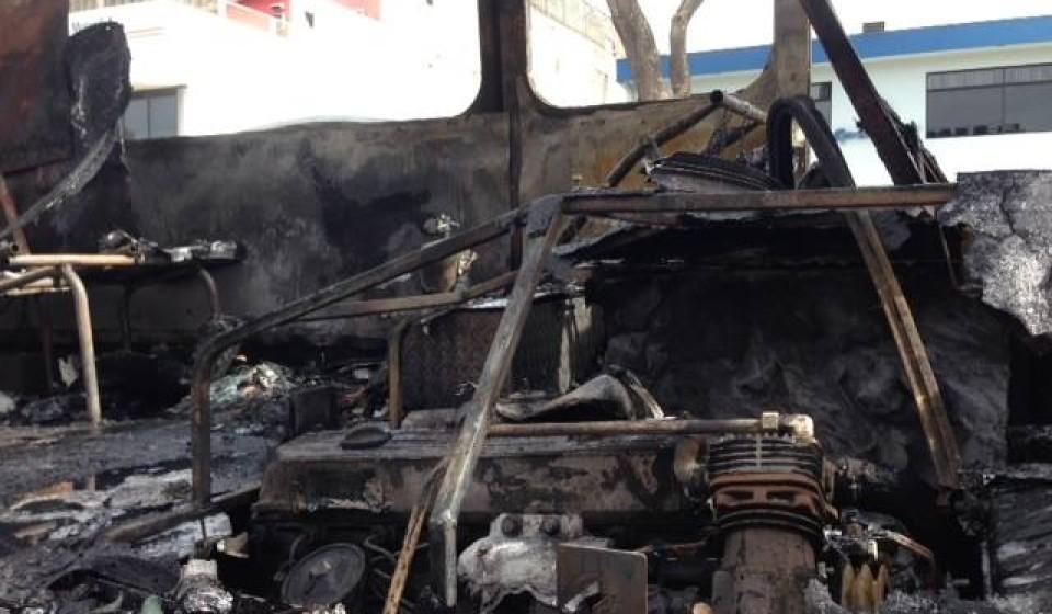 bus-fire-paseo-colon0370