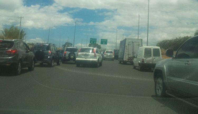 Massive traffic congestion on Ruta 27 - San José to Caldera