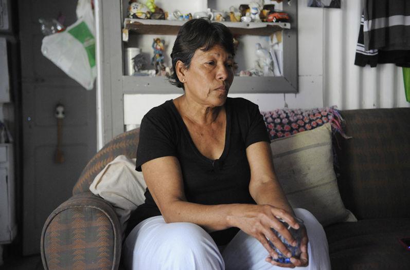 Isabelle Páramo, de 58 años, es la madre del nicaragüense Omar de Jesús Jirón Romero, quien murió tras ser atacado por cocodrilos. Ella, oriunda de Rivas, Nicaragua, vivía junto con su hijo en Los Cuadros, de Goicoechea. Tiene otros cuatro hijos, de 21, 33, 36 y 38 años. Foto: Jonathan Jiménez