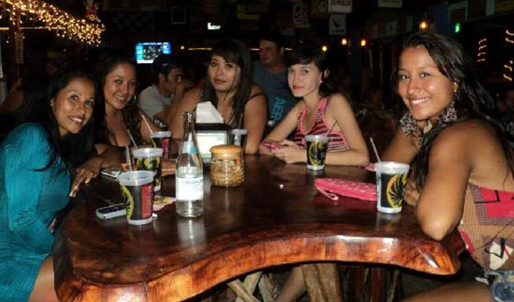 costa rica nightlife women