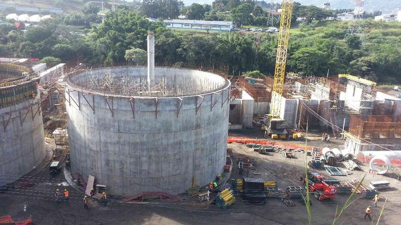 Water treatment plant under construction in La Uruca, west of the Parque de la Diversiones, in San José.