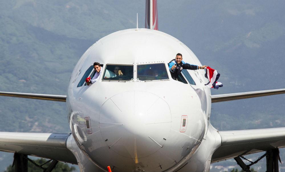 Recibimiento Selección Nacional de Futbol. Base II Aeropuerto I