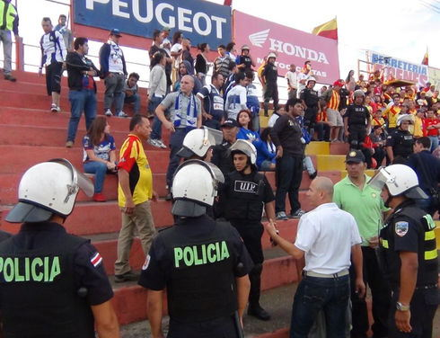 A soccer match between Costa Rica's Liga Deportiva Alajuelense and Club Sport Cartaginés was suspended on Feb. 16 because of fighting between the teams' barras (soccer hooligans). Fifty-four fans were arrested because of the fracas, according to officials.