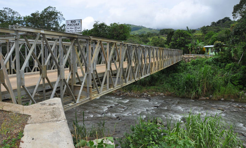 The bridge over the Paucar river, in Perez Zeledon, that took seven (7) years to erect.