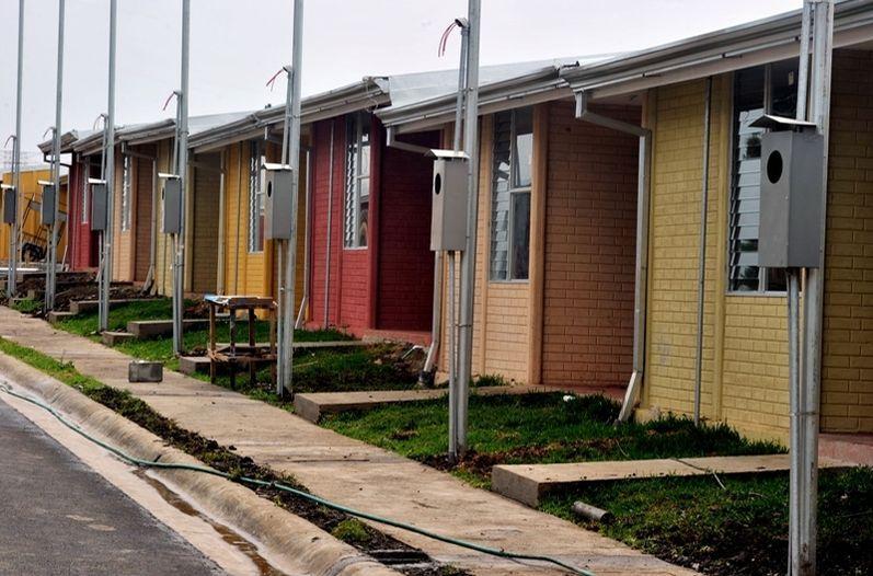 COSTA-RICA--Presidenta-del-INVU-denuncia--monopolio--en-casas-de-bien-social
