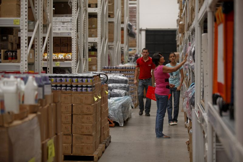 Pequeño Mundo store in Guachipelin, Escazu
