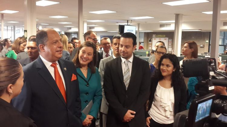 President Solís attend inauguration of the Amazon Vendor Support Center in Cos ta Rica. Photo: Crisitna Fallas