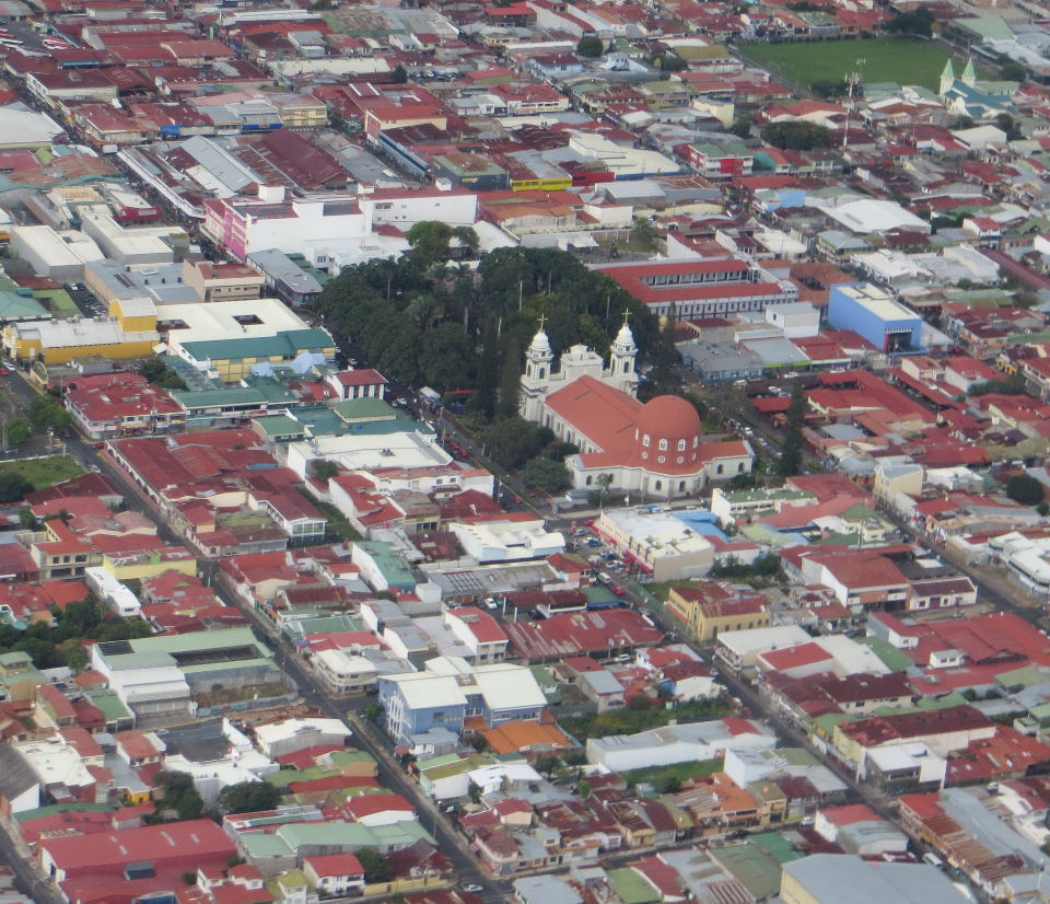 """As you leave San Jose, you can catch a glimpse of the Cathedral de Alajuela (Costa Rica)"""