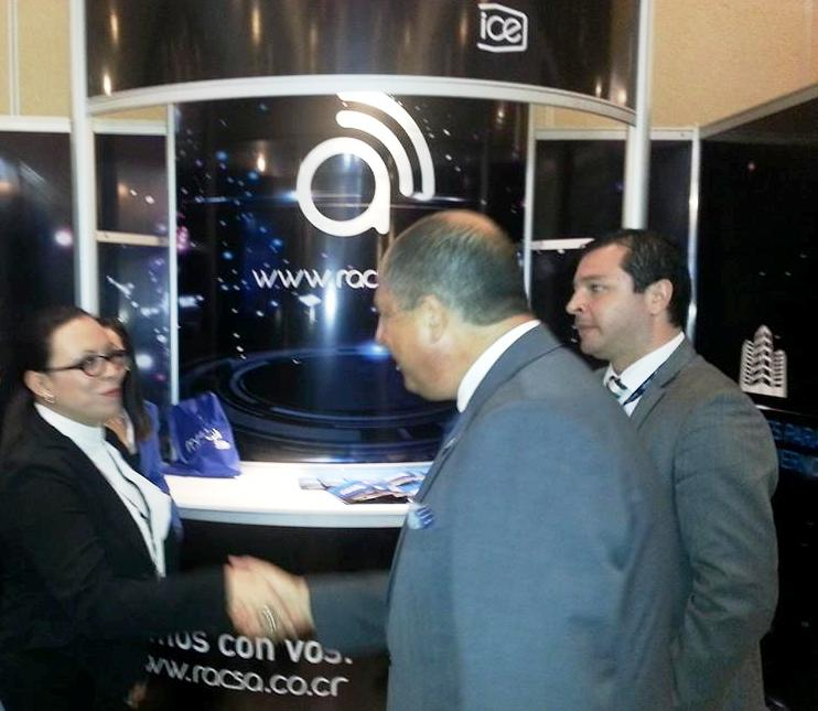 President Luis Guillermo Solis visiting the RACSA booth at Expo-Telecom. Photo from Facebook