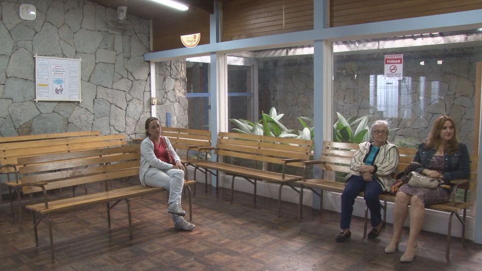 Typical EBAIS waiting room, plain but clean. Photo Canal9.cr
