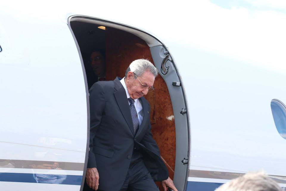 Cuban President Raul Castro arrives in Costa Rica.  Photo: Casa Presidencial