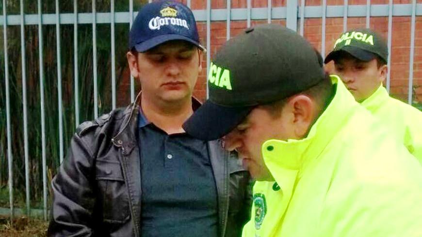 "Julián Andrey González Vásquez, alias ""Barny,"" captured by Colombian police on a Bogota street"