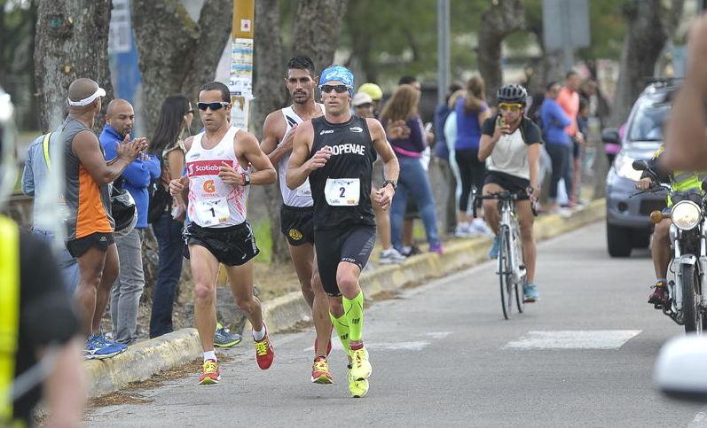 Leonardo Chacón (No.2) is the winner of Clasico San Silvestre on December 31.