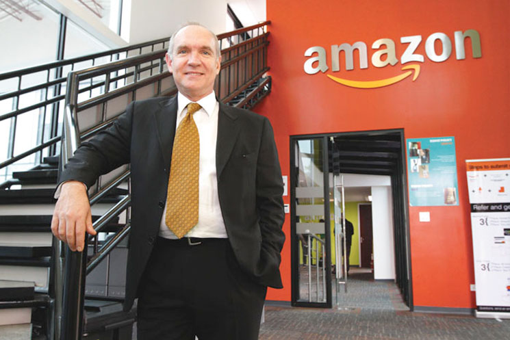 """""""We will be announcing the opening of another service center later this year, with a capacity for 400 people,"""" said Alejandro Filloy, general manager of Amazon. Photo La Republica"""