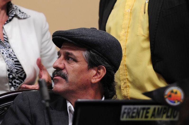 "Ronal Vargas at his ""curul"" (legislative seat) during his resignation act last Thursday."