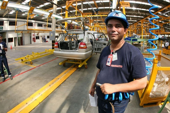 An automobile assembly plant in Venezuela. Photo archives