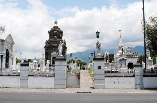 San Jose metropolitan cemetery on Avenida 10