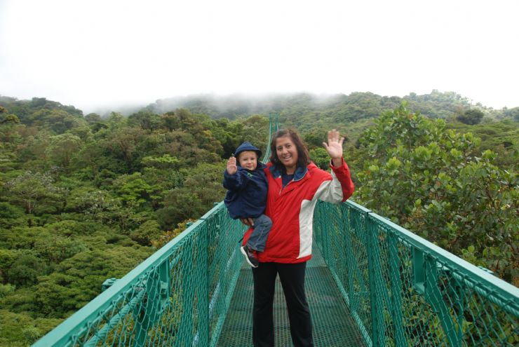"Saying ""Hi"" from the Monteverde Cloud Forest"