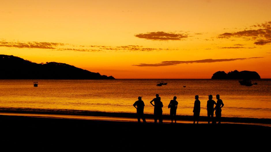 playa-hermosa-sunset-940x528