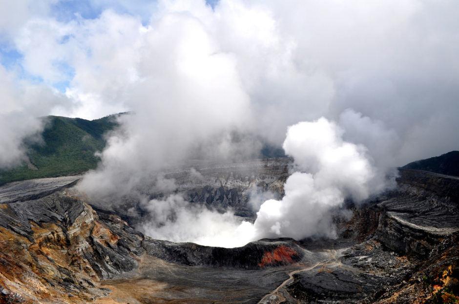 poas-volcano-940x624