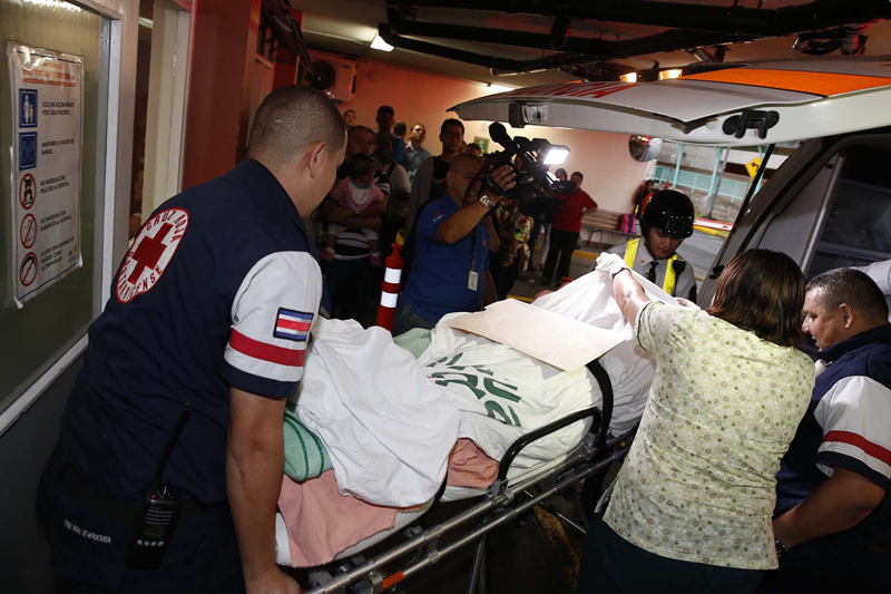 The rescued nine year old, suffering from bruises and exposure, was take to the Chidren's hospital in San Jose, where doctors confirmed she had been sexually assaulted. Photo: Nacion.com