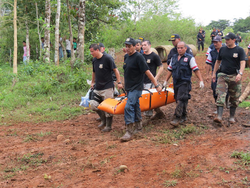 Nine year old girl was able to flee her captor and hide in the woods until she was found alive. Photo: Nacion.com