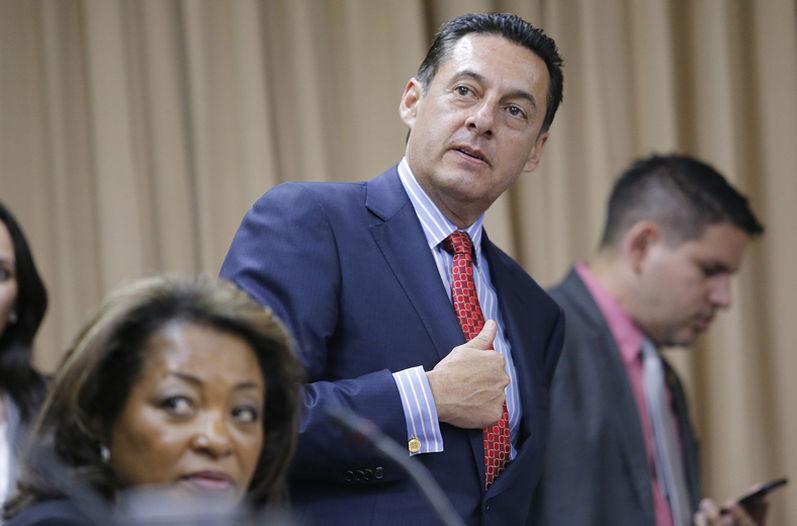 PLN legislator Antonio Alvarez Desanti said he will remove the 300 objections to the original proposal