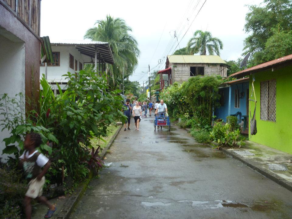 small-town-tortuguero