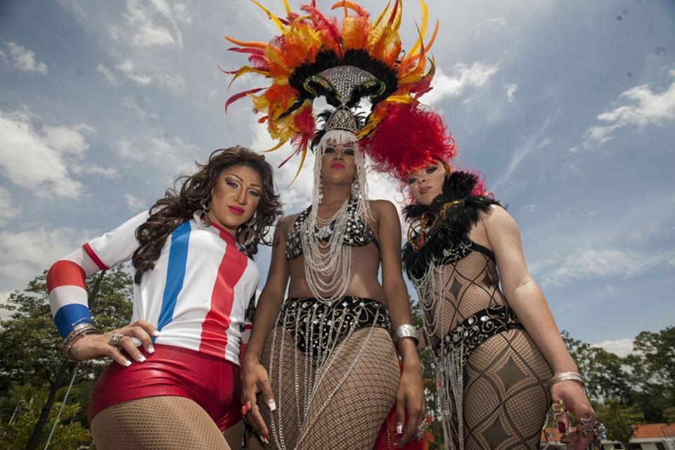 28/06/2014. fotos de la marcha del orgullo gay, en san jose.  / fotografia por Fabian hernandez.