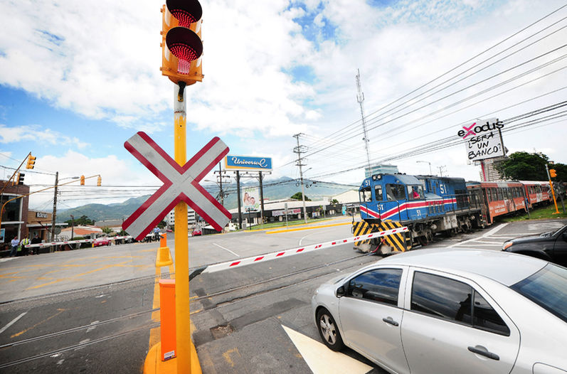 The travil level crossing in La Sabana
