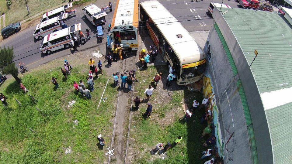 heredia-san-jose-train-bus-crash52140