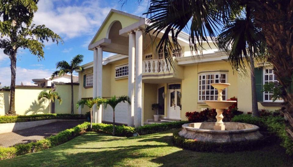 Luxury Home In Escazu