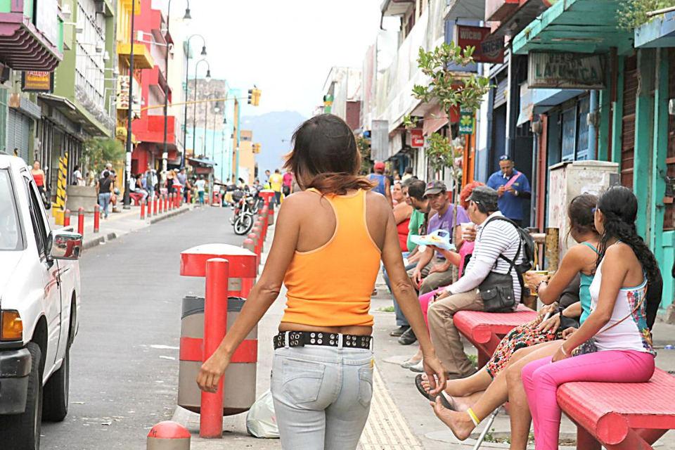 The streets of the downtown San Jose's Zona Roja. Photo Diario Extra