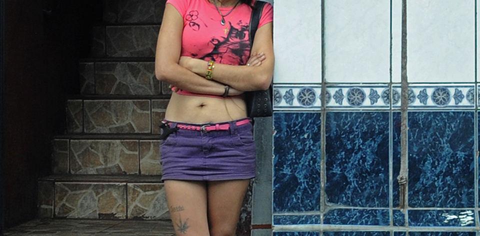 Bordelos (prostituions dens) are numerous in San Jose's Zona Roja.